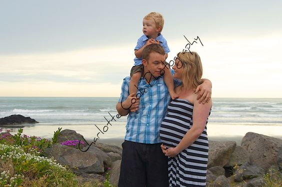 Gorgeous family at the beach.. Maternity/Pregnancy - Charlotte Cook Photography