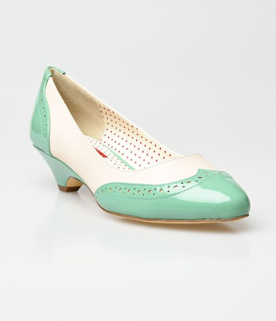 39 B.A.I.T. Dusty Mint &amp Cream Patent Ida Wingtip Spectator Pumps