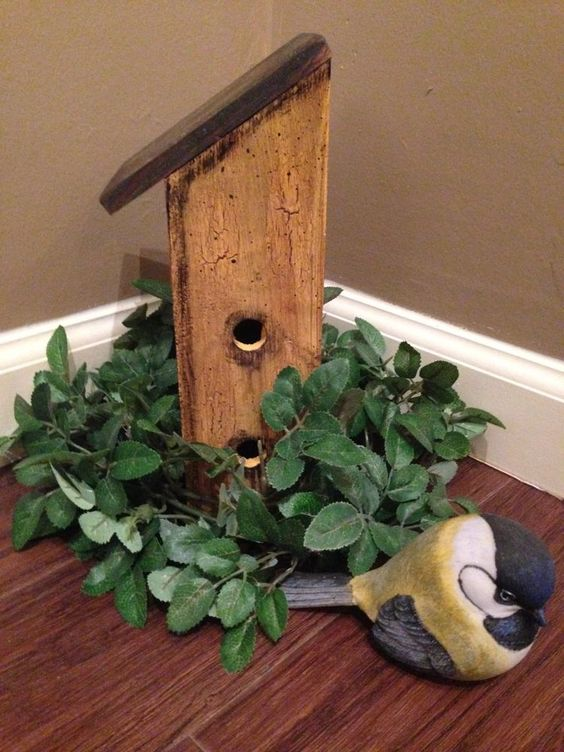 Little* Painted*Wooden*Birdhouse*Distressed*Garden Decor/Primitive*Farm Style*