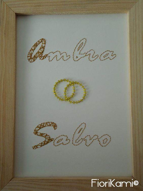 Cornice, ricordo, decorazione per il tavolo degli Sposi o per il tavolo Bomboniere. Ricamata a mano su carta, con filo di cotone e perline. By FioriKami