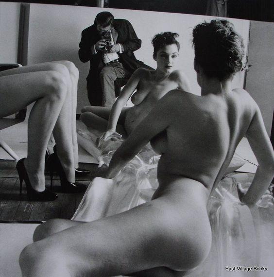 Helmut Newton, Self-portrait with models, Paris, 1981