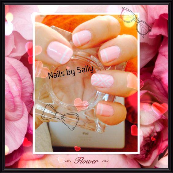 Nail design using sticker ribons