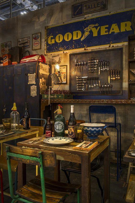 Pin Van Carlo Op Dream Garage Workshop Garage Ontwerp Garage Ideeen Cafe Interieur
