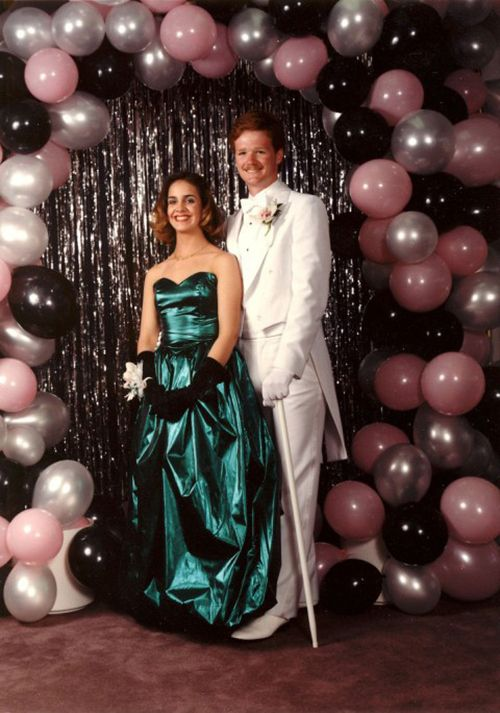 35 Ridiculous '80s Prom Photos | Balloon arch, Backdrop ...
