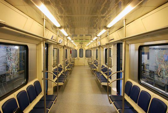 внутри вагона метро - Поиск в Google