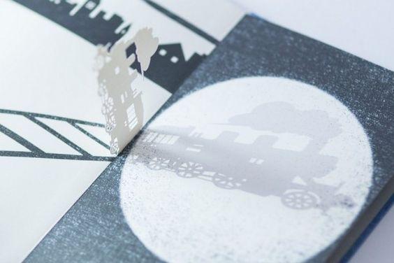 Motion Silhouette est un livre de contes 3D conçu par deux jeunes designers âgés de 25 ans, Megumi Kajiwara et Tatsuhiko Niijima.  En insérant habilement des découpages délicats de papier entre chaque page, l'histoire prend vie lorsque le lecteur commence à manipuler les silhouettes avec une lampe de poche. Les arbres poussent, les trains se rapprochent et les fantômes montrent leurs visages effrayants. Compte tenu du niveau d'artisanat mis en oeuvre, les livres sont faits sur commande.