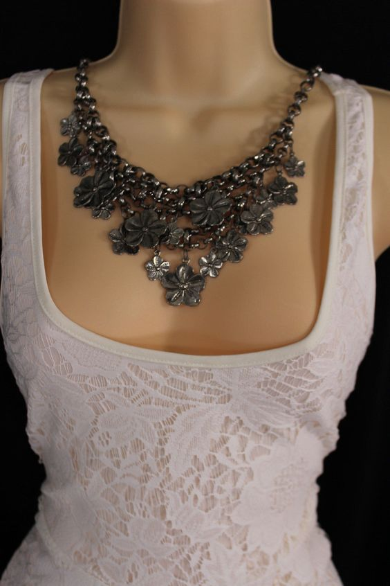 Silver Metal Vintage Chain Flowers Necklace + Earrings Set New Women Fashion Jewelry