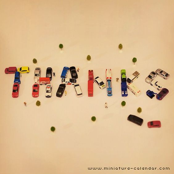 改めて、誕生日のお祝いコメントありがとうございました! 会社のスタッフから大量のミニカーをいただいたので、人文字(車文字)で感謝を表現してみました(笑)THANKS! それでは今日も楽しくまいりましょう