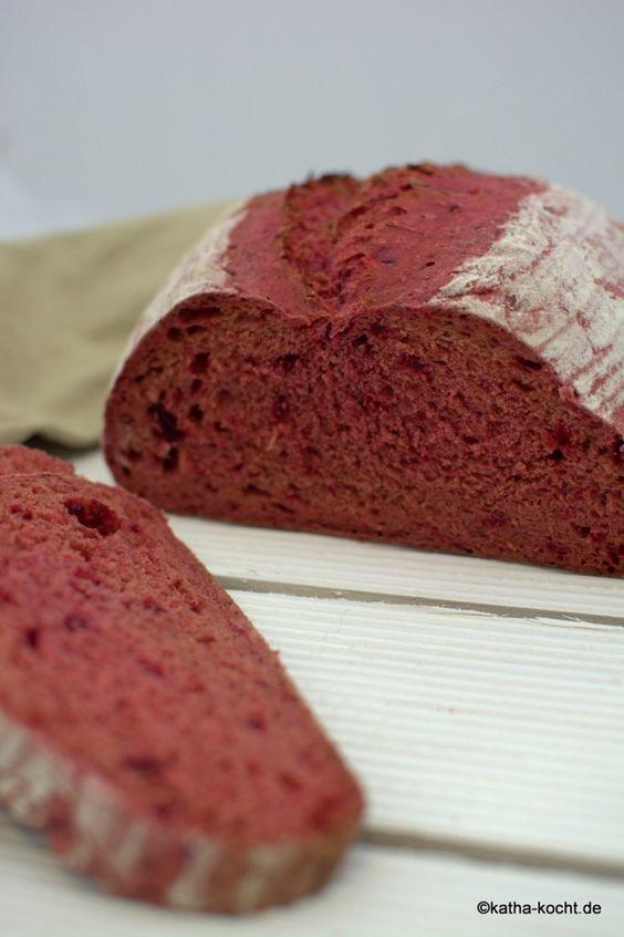 Dinkel Brot mit roter Bete - Katha-kocht!