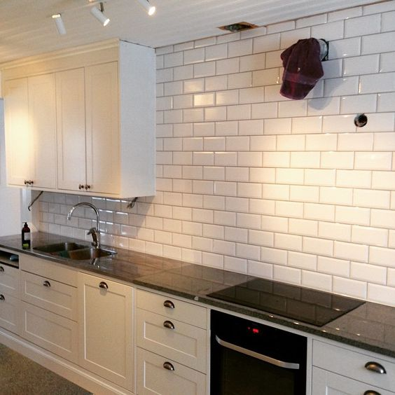Search google and tile on pinterest - Furniture wereld counter ...