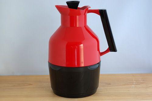 スウェーデンで見つけたプラスティック製ヴィンテージ魔法瓶(レッド) - 北欧、暮らしの道具店