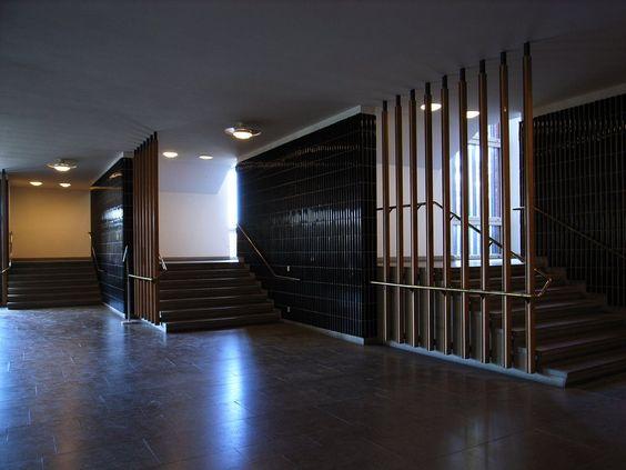 ヘルシンキ工科大学 本館/Teknillinen korkeakoulu/Helsinki University of Technology Main Building    アルヴァ・アアルト/Alvar Aalto