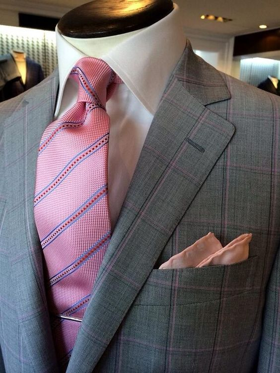 dormeuil:  A little bit of pink!
