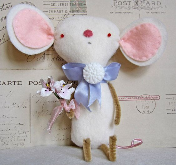 cute little mouse - no pattern just inspiration