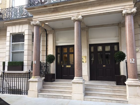 Kensington, London. Pinned by www.vessou.com Made in England. Timeless design, handcrafted. #pots #planters #vasi #interiors #interiordesign