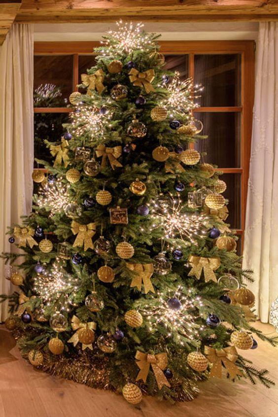 Alberi Di Natale Foto.18 Idee Per Addobbare L Albero Di Natale Alberi Di Natale Blu Alberi Di Natale Natale