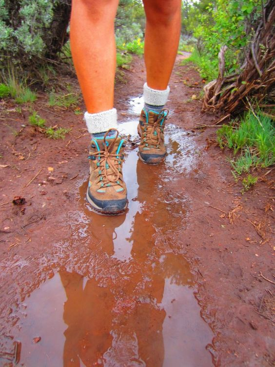 Best Hiking Boots for Women Review