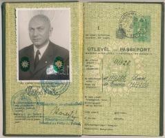1939 Magyar Királyi Rendőrség Budapesti Főkapitánysága által kiállított útlevél Csehszlovákiába dr. Hajós Imre főorvos részére.