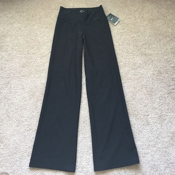 "NWT Nike black pants sz xs Brand new black nike pants ! Inseam measures 32"" and widest hem at bottom is 9.5"" Nike Pants"