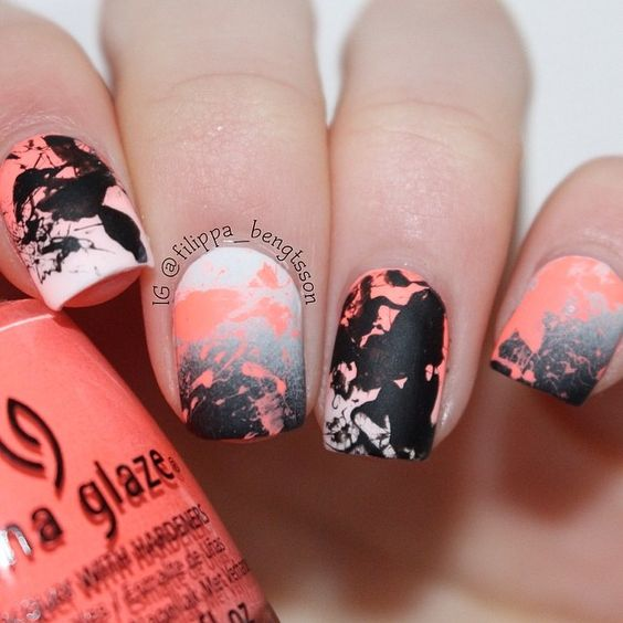 white black & coral MATTE splatter nails by nailsbyfilippabengtsson