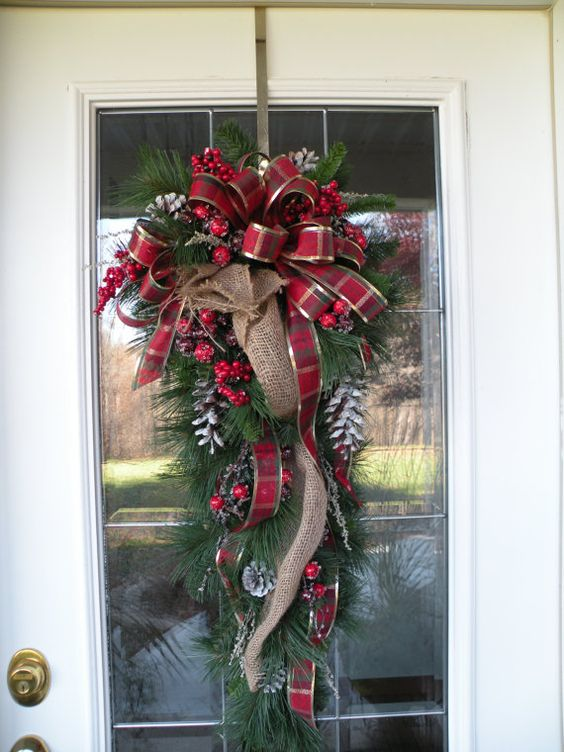 Wreath burlap burlap swag and swag on pinterest for Christmas swags and garlands to make