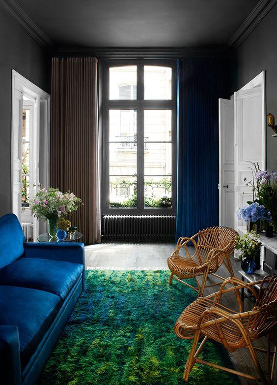 Donner un effet grandiose en habillant très largement la fenêtre