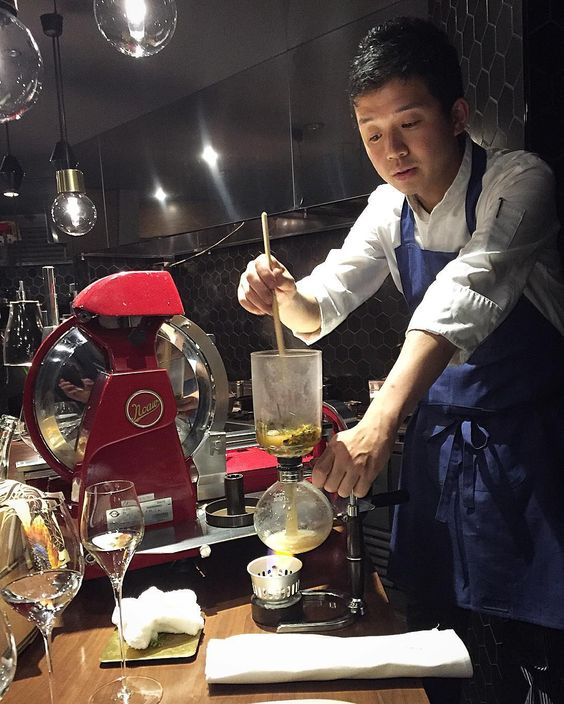 Chef Toshifumi Nakahigashi from Kyoto preparing delicious concoction at his new resto Elba da Nakahigashi in Tokyo #minako #kaiseki #japanesefood #cooking #chef #restaurant #kitchen by perstyregard