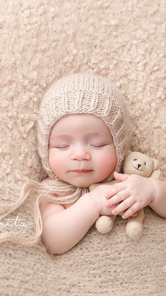 Beautifully Styled And Expertly Posed Fine Art Newborn Photography