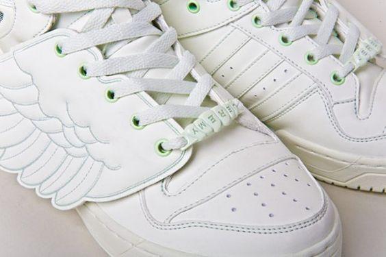 Jeremy Scott x adidas Originals JS Wings   Glow in the Dark
