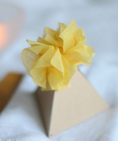 willowday: GIFT WRAP #16: PYRAMID PACKAGES: Paper Craft, Gift Ideas, Wrapping Gifts, Craft Ideas, Cool Gifts, Crafty Ideas