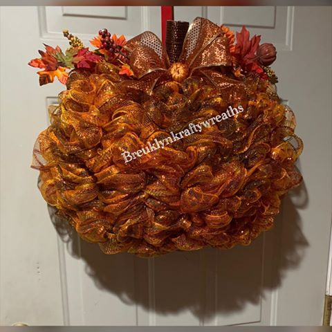 Halloween 2020 Viki Pin by Viki on autumn Christmas in 2020 | Pumpkin wreath diy