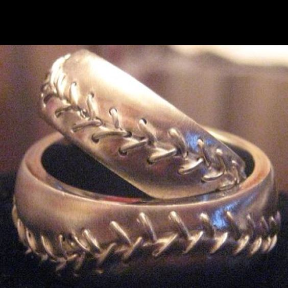 Baseball treading men's wedding band... I'll never get married, but this is cool