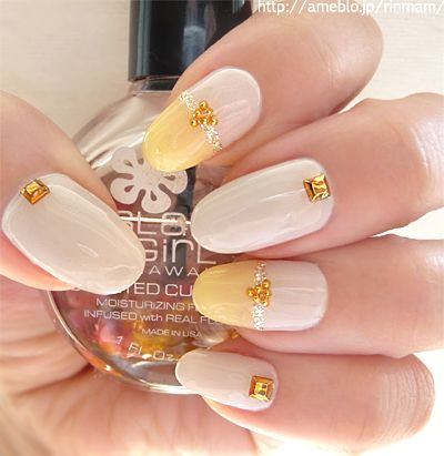 Simple white Japanese nail designs: