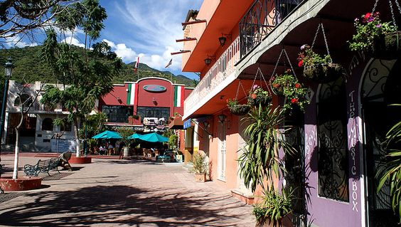 ajijic latin singles Find rental homes and villas for sale in beautiful ajijic, mexico discover the history of ajijic, see a map of the area and learn what activites there are in ajijic, mexico.