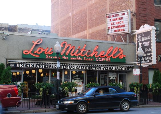 """ Lou Mitchell "" in Chicago Illinois   "" Route 66 on My Mind "" http://route66jp.info Route 66 blog ; http://2441.blog54.fc2.com https://www.facebook.com/groups/529713950495809/"