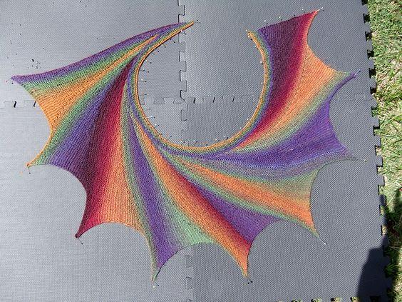 Ahotep's .Wingspan knitted in Hjertegarn Kunstgarn colour 11