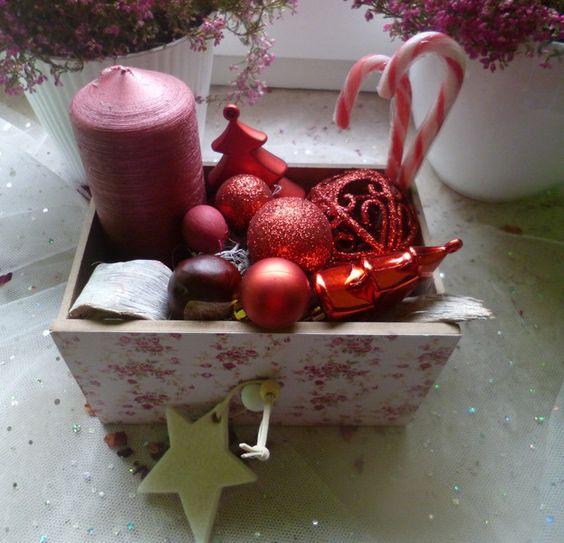 Weihnachtsdeko - Weihnachtsgesteck in kleiner Schublade - ein Designerstück von Rosettas-Laden bei DaWanda