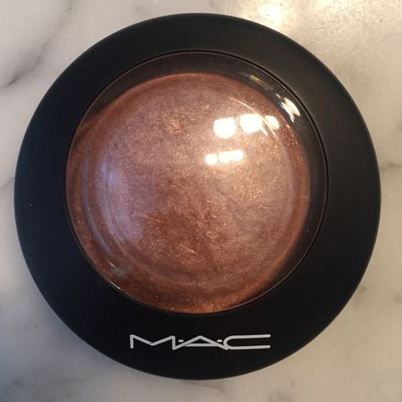 MAC cosmetics mineralized skin finish Amazing highliter !! MAC Cosmetics Makeup Luminizer