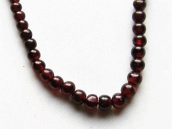 POLISHED VINTAGE GARNET necklace by allthingsvintage77 on Etsy