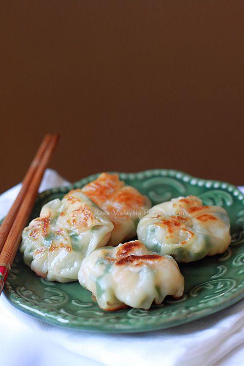 Pan-fried Shrimp and Chive Dumplings, so yummy, just like dim sum restaurants.