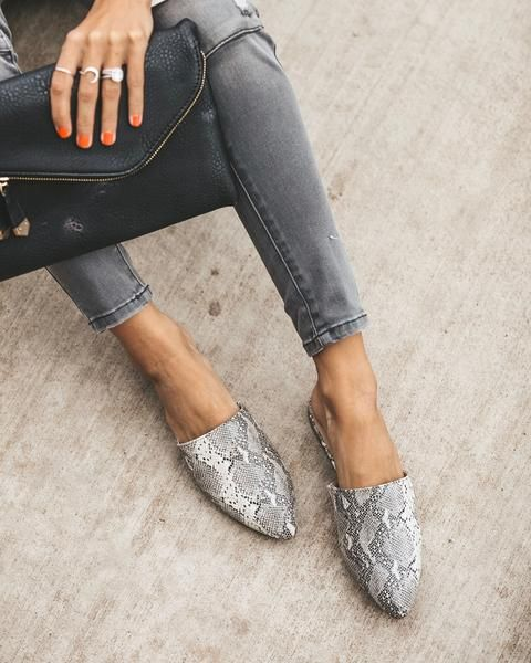 Snakeskin shoes outfit