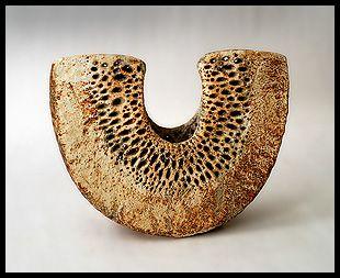 (via Freeforms - British Studio Ceramics)