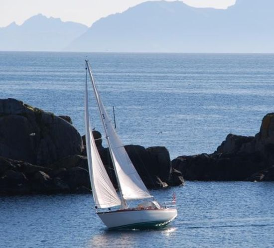 Past Projects Wooden Sail Classics Scandinavian Boats For True Sailing Enthusiasts In 2020 Sailing Boat Scandinavian