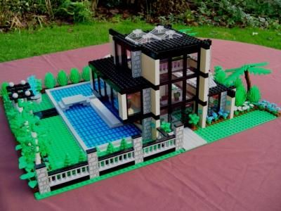 Cool LEGO Houses | The Glass House: A LEGO® creation by Mandy Dee : MOCpages.com