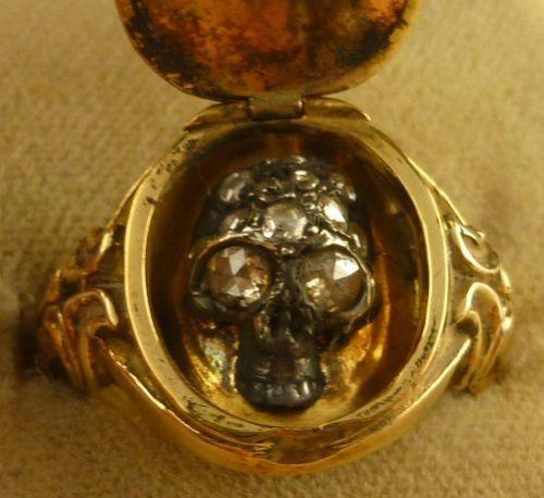 MEMENTO-MORI-LARGE-DIAMOND-SKULL-GOLD-LOCKET-RING-SUIT-EITHER-SEX