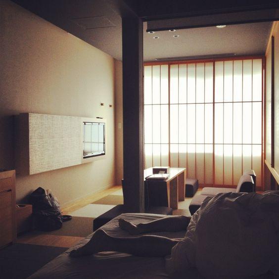 Fokus: Bett mit Überdachung