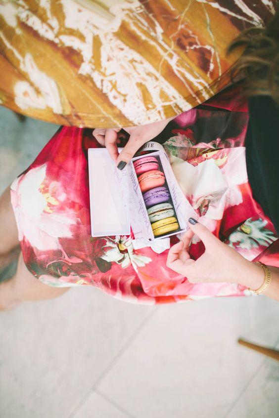 #OOTD // Spring Floral Prints & French Macarons | BondGirlGlam.com