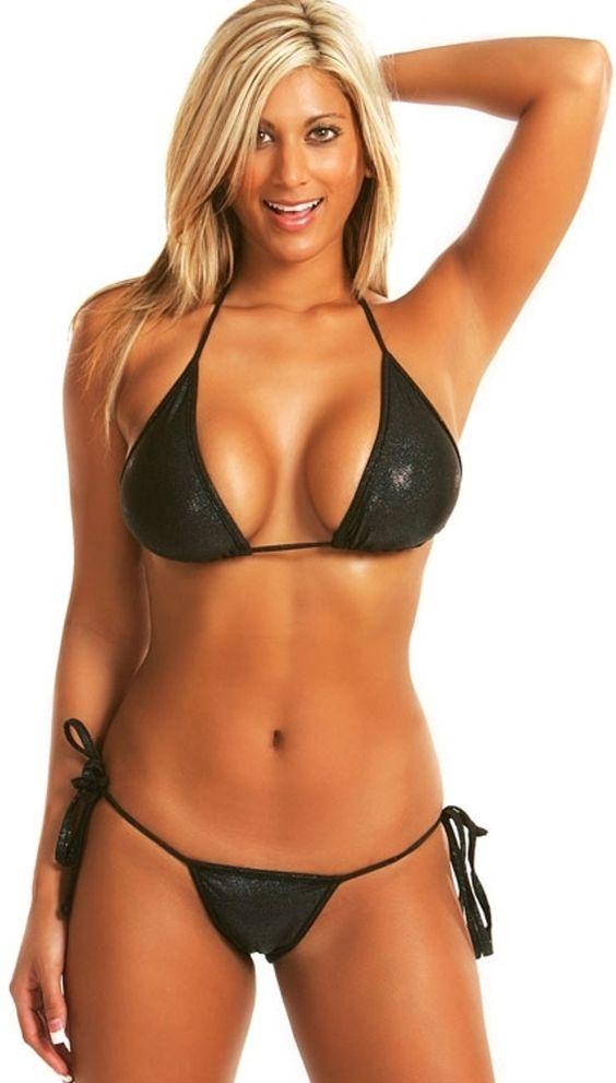 Shendelle and bikini