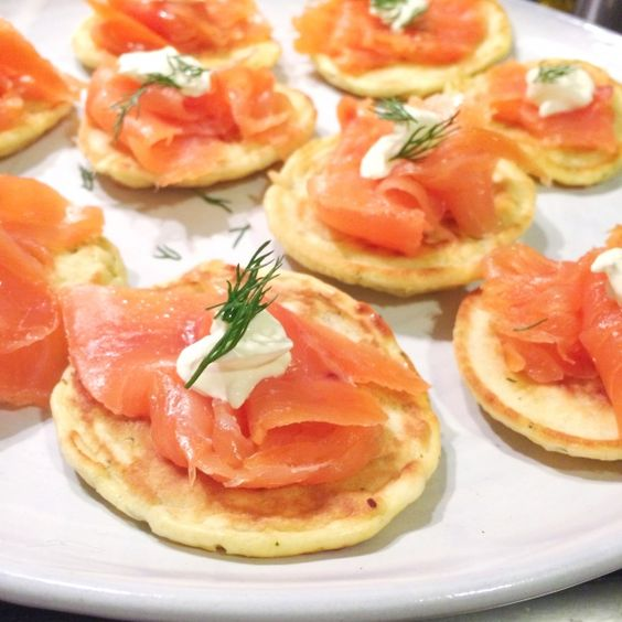 Blini met zalm, zure room, dille & citroen made by ellen: