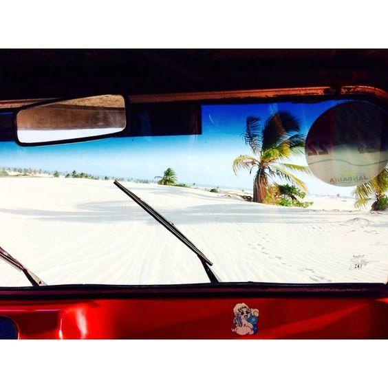 Concours Marrakech @afrenchtraveler : Cette photo est spéciale pour moi parce que je crois n'avoir jamais autant ressenti la liberté que cette fois là à #MangueSeco, près de Bahia au #Brésil. Le paysage, dominé par d'infinies dunes de sable, est encore scrupuleusement préservé par ses habitants. J'ai perdu là-bas toute notion de temporalité, et quand j'y repense, cela me fait encore autant de bien. #VTDMarrakech